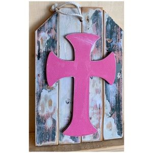 Rustic & Distressed Wooden Cross Decor